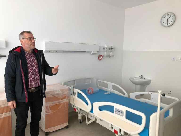 """Constructorul Spitalului de Paliaţie către primarul Cosmin Andrei: """"Duce o campanie mincinoasă"""" (video)"""