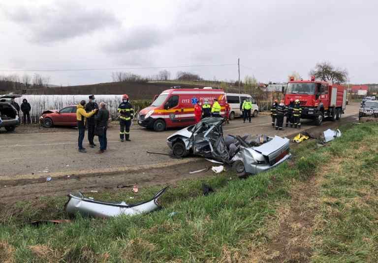 Doi morţi după un accident cumplit în Dorohoi (video)