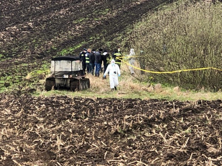 Femeie dispărută, găsită carbonizată în mijlocul câmpului (video)