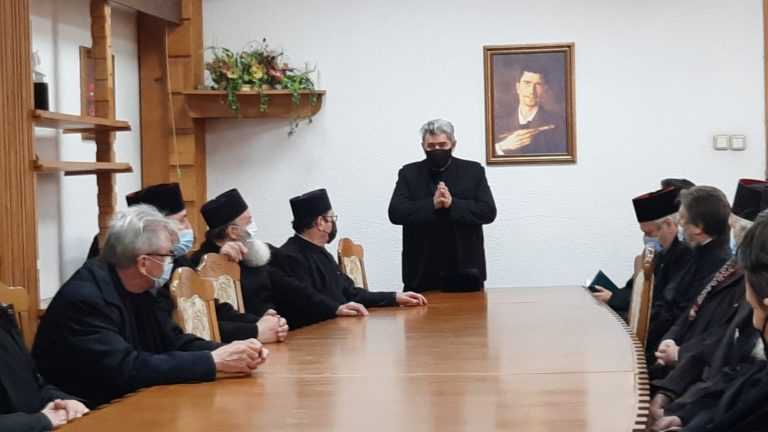 """Un preot militar din Botoșani recunoaște – """"Virusul acesta nu e o abureală. M-a scuturat un pic"""" (video)"""