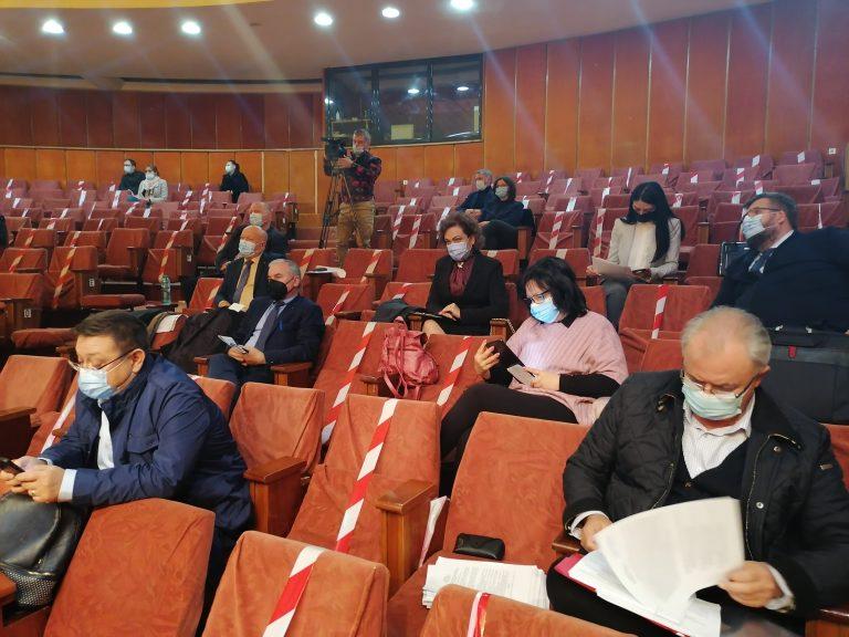 Consilierii municipali au aprobat impozitele şi taxele locale pe anul 2022