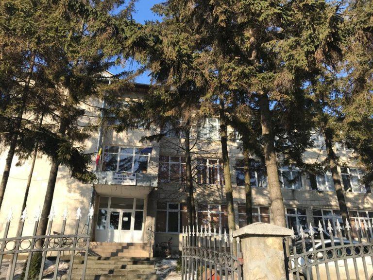 """Stagii de practică pentru elevii de la liceul """"Dimitrie Cantemir"""", Darabani"""