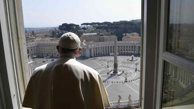 Italia a intrat în carantină strictă de trei zile, de Paștele Catolic