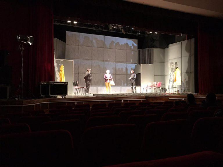 """Teatrul """"Mihai Eminescu"""" reîntâlnire cu publicul său (video)"""