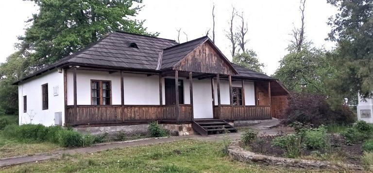 Atelierele de peisaj, artă și sunet continuă la Casa George Enescu de la Mihăileni