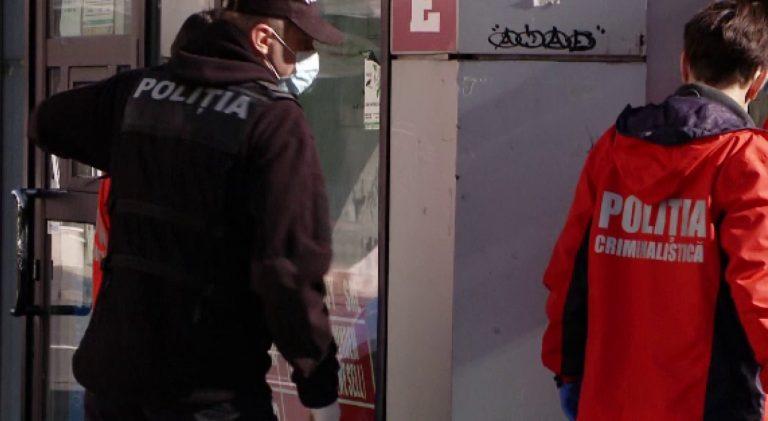 Sute de euro falși descoperiți asupra unui adolescent