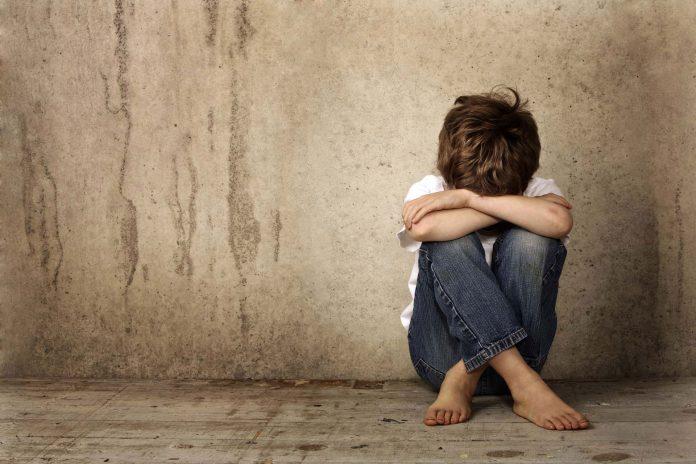 Copii puşi în pericol de proprii părinţi