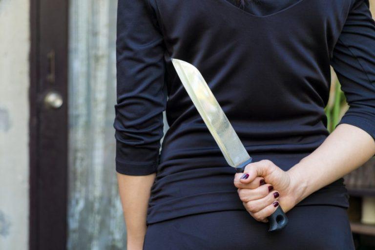 Bărbat înjunghiat după ce şi-a acuzat nevasta că nu ştie să facă sarmale
