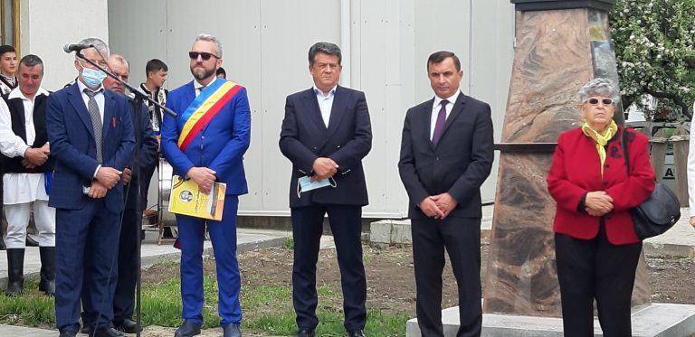 Profesorul Constantin Vasilică, omagiat în comuna natală (video)