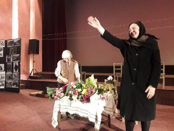 """Spectacolul """"Să nu ne răzbunaţi"""" va fi prezentat la Festivalul Internaţional """"Albamono"""""""