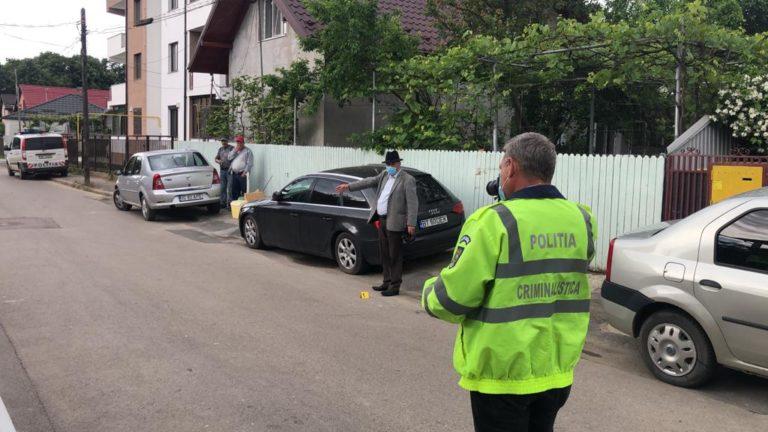 Femeie accidentată de o mașină de la Apele Române (video)