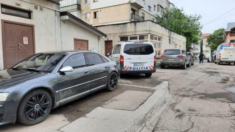 Suspect ridicat de polițiștii de la Combaterea Crimei Organizate. Racola tinere pentru servicii sexuale
