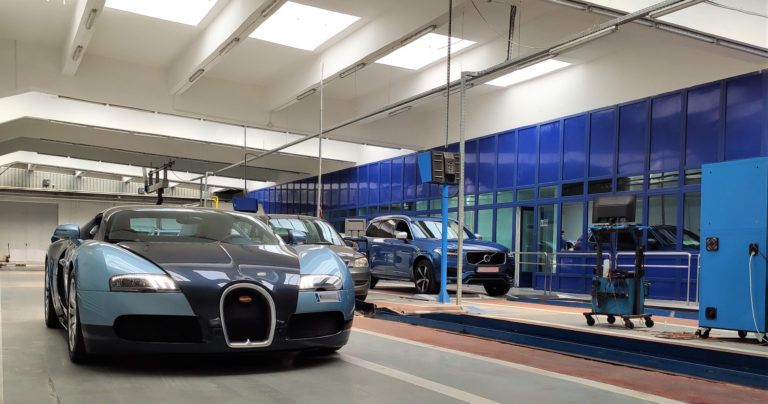 Maşină de milioane de dolari înmatriculată în România, anunță RAR