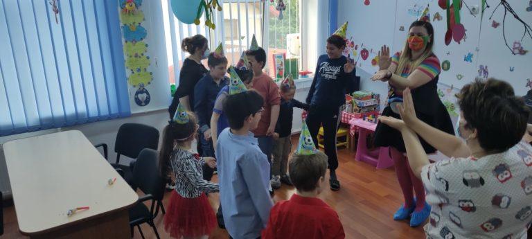 DGASPC Botoşani a pregătit surprize pentru sute de copii