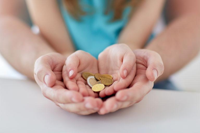 Sprijin financiar pentru mamele cu posibilități materiale reduse
