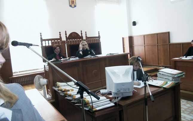 Preot şantajist abonat la ilegalităţi