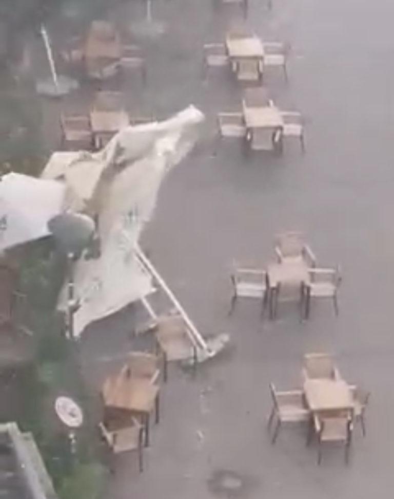 Terasă spulberată de vânt în câteva secunde (video)