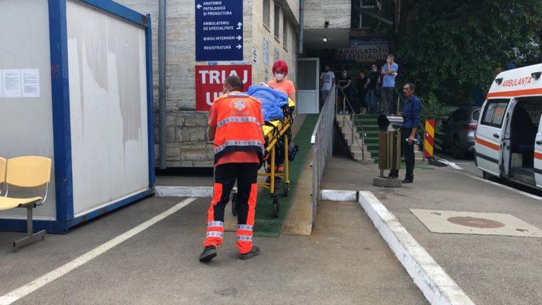 Tânăr ajuns la spital după un accident de muncă