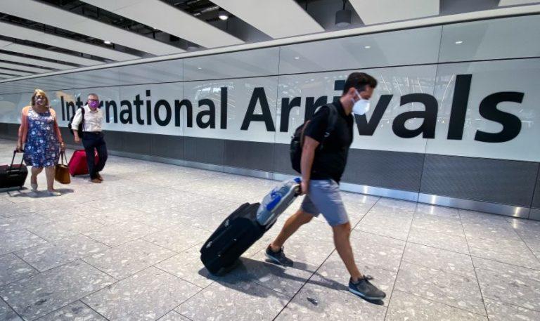 Carantină eliminată pentru românii care merg în Marea Britanie
