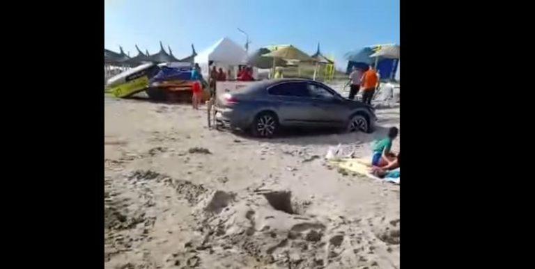 Turist amendat cu 10.000 de lei deoarece și-a parcat mașina pe plajă, la Saturn