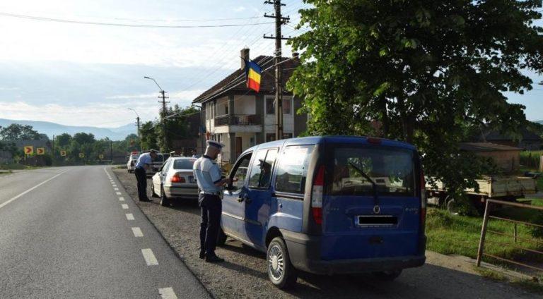 Septuagenar amendat și anchetat penal după un control în trafic