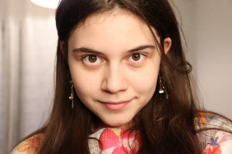 Botoşăneancă de 13 ani, numită administratorul unei platforme de presă din Franța