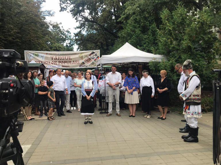 Târg al Meșterilor Populari inaugurat pe Pietonalul Unirii (video)