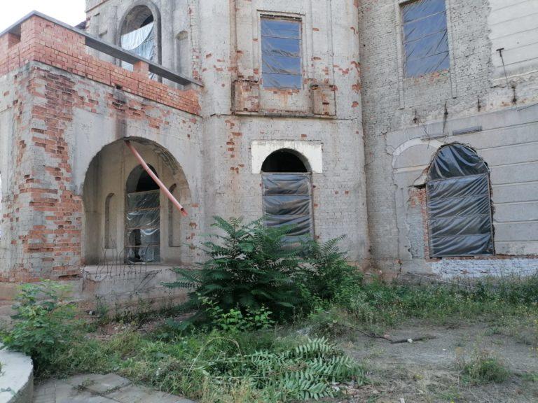 MONITORUL VIDEO: Organizarea de şantier de la Teatrul Eminescu a dispărut
