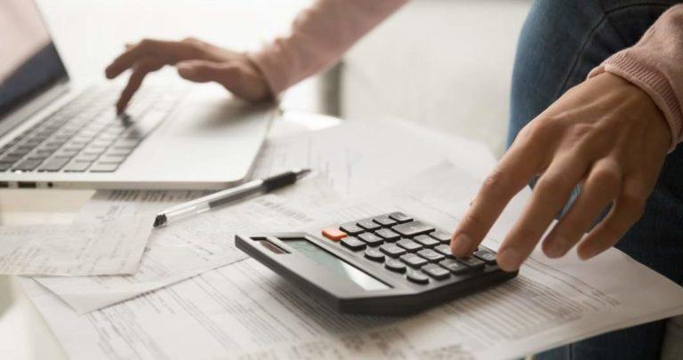 Firmele vor folosi facturi electronice în relaţia cu statul