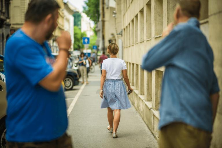 Val de agresiuni sexuale în stradă