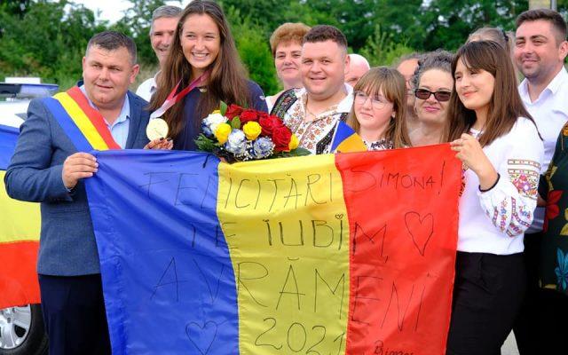 Simona Radiş, sărbătorită de localnicii din Avrămeni