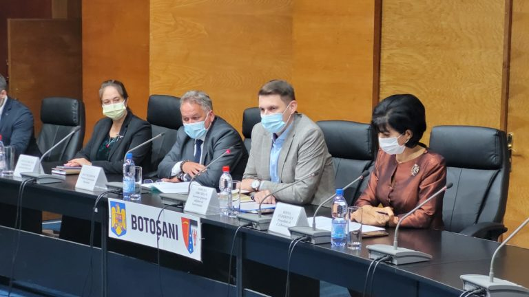 """Programul Național de Investiții """"Anghel Saligny"""", prezentat la Botoșani de secretarul general adjunct al Guvernului"""