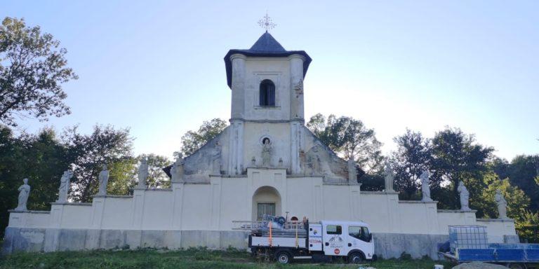 """Bijuterie arhitectonică salvată de """"Ambulanța pentru Monumente"""""""