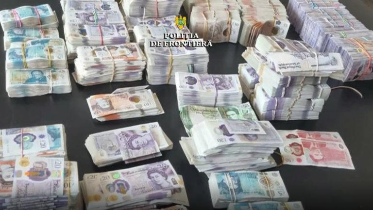 Un bărbat a încercat să iasă din România cu 480.000 de lire sterline ascunse în portbagaj