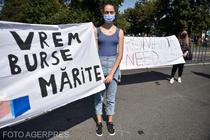 Protest al elevilor în prima zi de școală, în Piața Victoriei