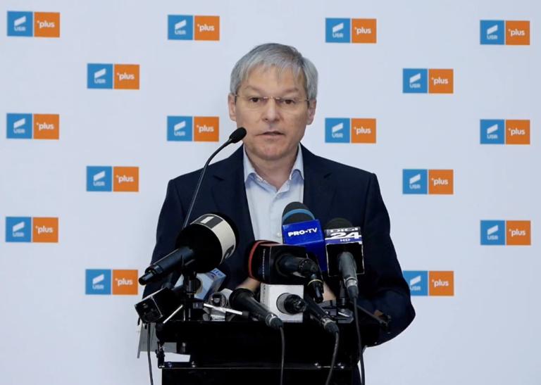 Cioloş nu reuşeste să obţină încrederea parlamentului